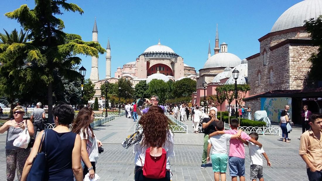 Иран возглавил список иностранных туристов в Турции, далее следуют Грузия, Германия, Болгария и Россия