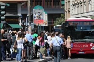 В Италии парализован общественный и воздушный транспорт
