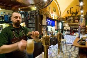 Эксперты назвали города мира с самым дешевым пивом