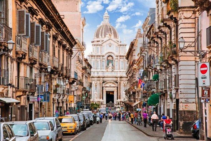 Сицилийский город на вулкане стал пятым среди самых интересных в Европе