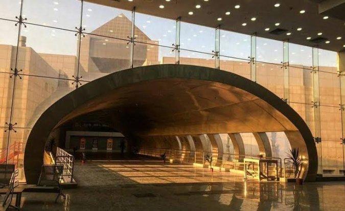 Самый большой музей цивилизации восстановил сандалии Тутанхамона