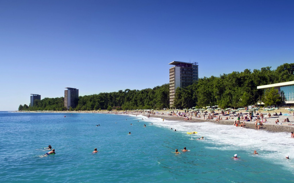 Туроператоры: чтобы привлечь туристов, абхазские отели начали снижать цены