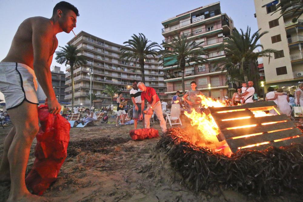 В Торревьехе (Аликанте) запретили разжигать костры на пляже во время праздника Сан-Хуан