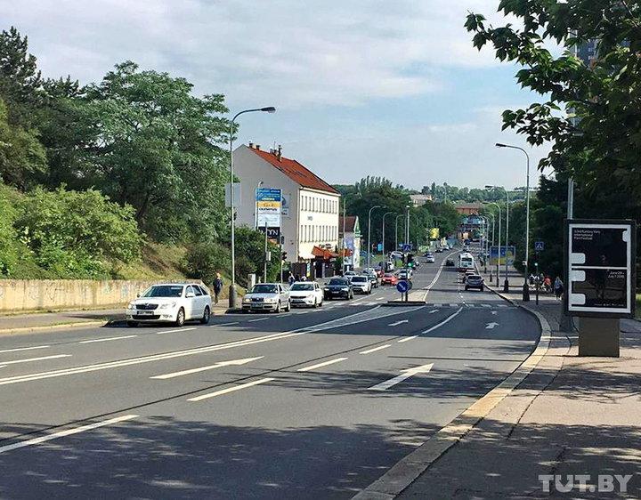 На машине по Чехии: пользуйтесь перехватывающими парковками в городах и не забывайте включать фары