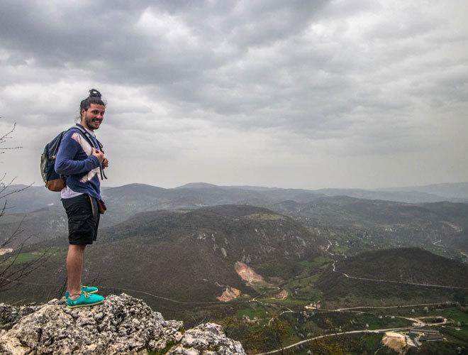 Испанец зарабатывает €2500 в месяц за путешествия по миру и участие в общественно-культурных проектах