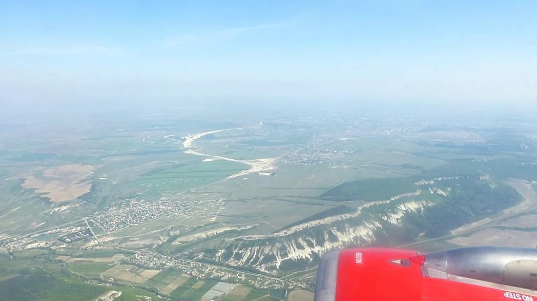 Объем рейсов в Крым сократили на 22%, цены на авиабилеты выросли на 20%