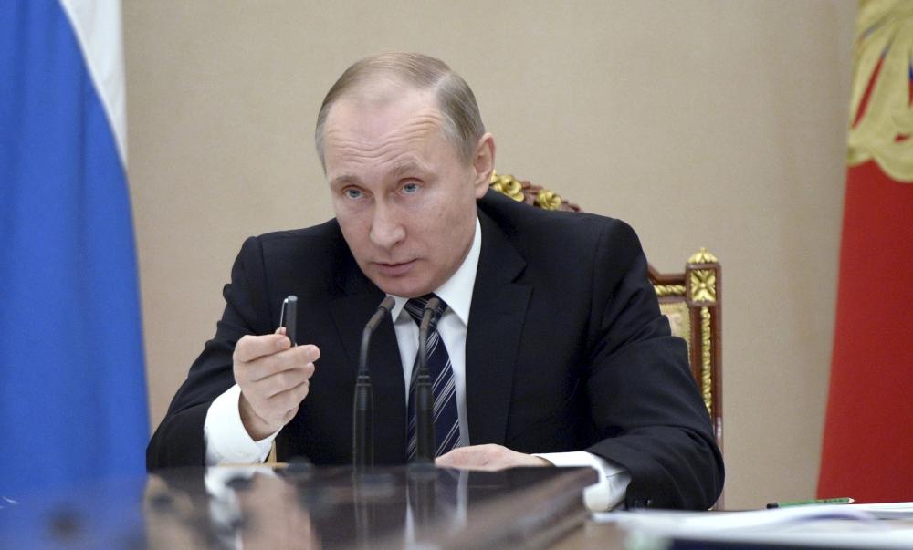 Путин распорядился проверить цены на авиатопливо и авиабилеты