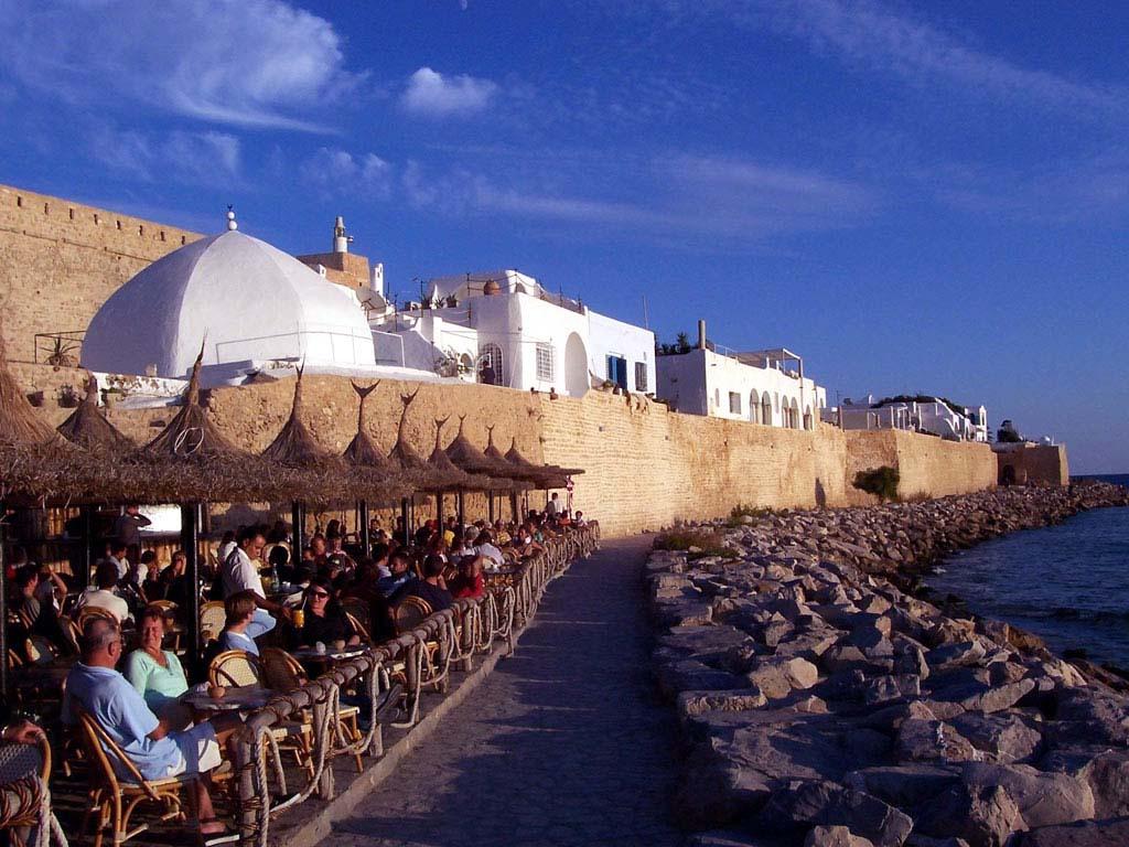 Тунис ожидает в 2018 году 8 миллионов туристов