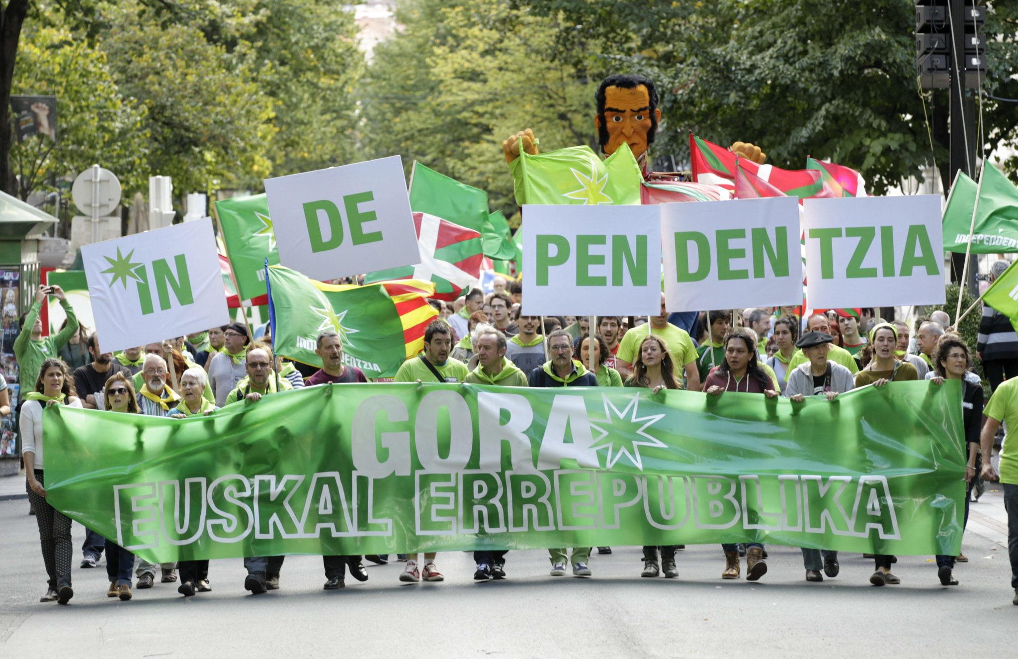 Социологические исследования говорят, что все больше басков выступают против независимости региона