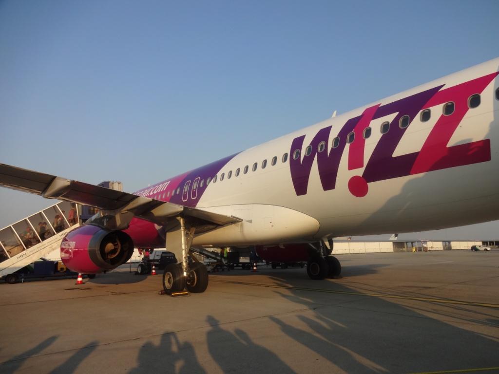 Wizz Air потребует от туристов ужаться с ручной кладью