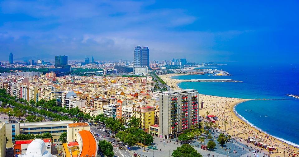 Причины, по которым испанский туризм развивается ускоренными темпами