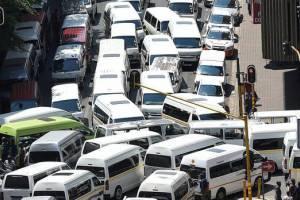 Бастующие таксисты перекрыли центры Барселоны и Мадрида