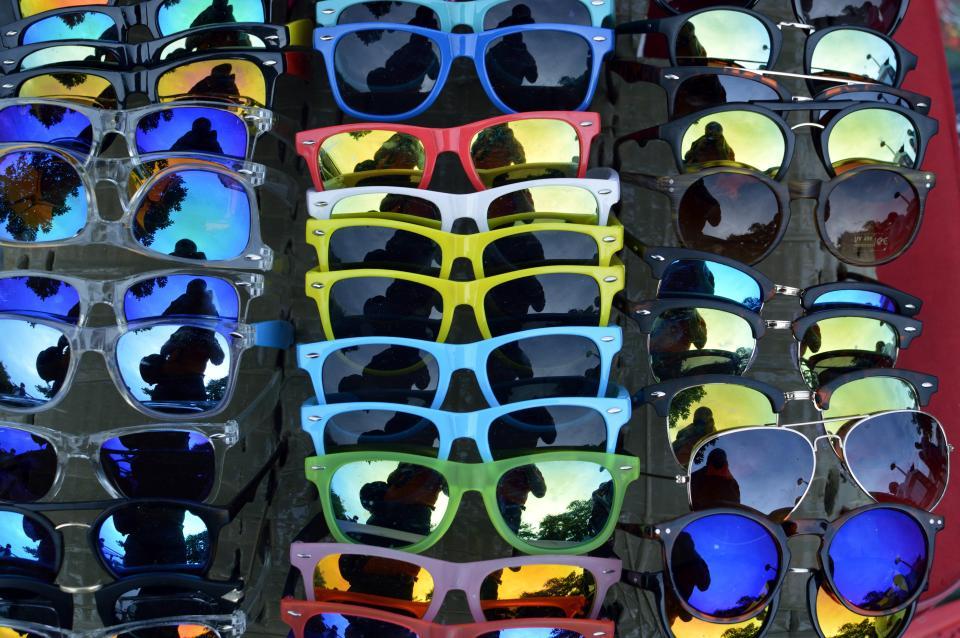 МВД Италии пообещало жестко штрафовать туристов за покупку контрафакта