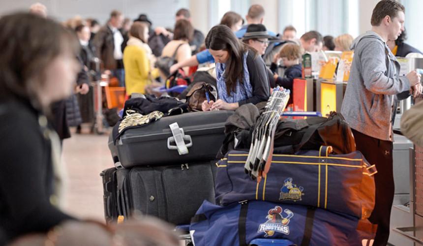 Около 100 туристов не смогли вовремя вернуться из Туниса