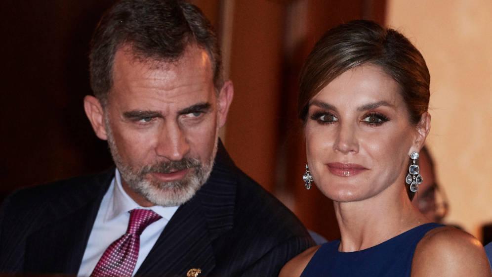Король Фелипе VI и королева Летисия поужинают с четой Макронов