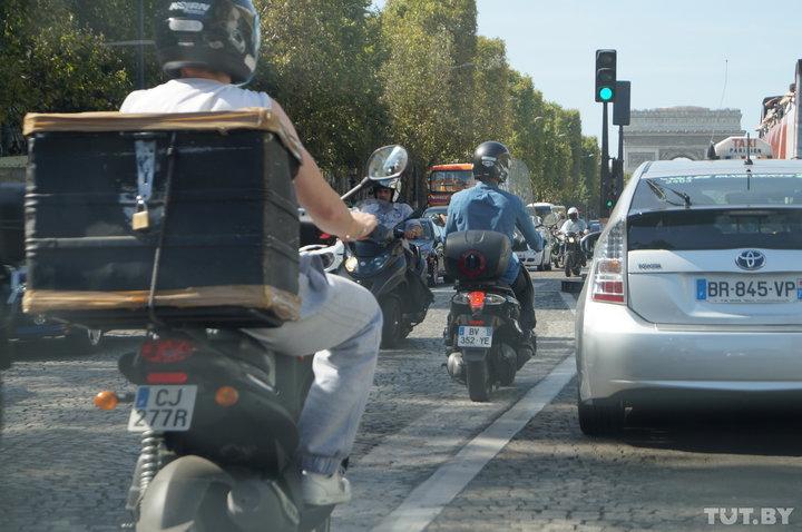 На автомобиле по Франции: необычные знаки на перекрестках, вежливые водители и много фоторадаров