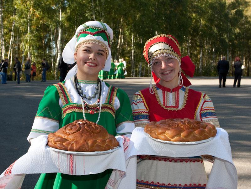 Депутат Милонов предложил ввести в российских школах туристически ориентированный курс гостеприимства