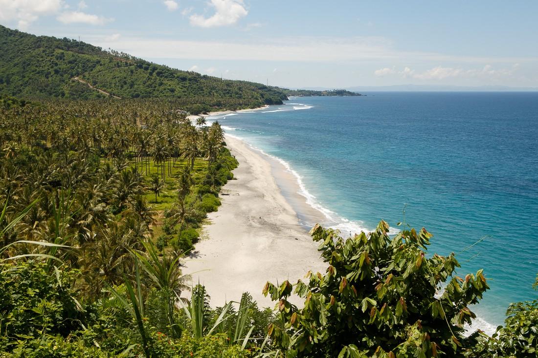 Министерство туризма Индонезии: для туристов на Ломбоке и Бали опасности нет