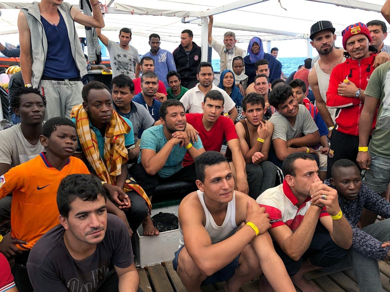 За последние полгода в Испанию прибыло морским путем около 16 тысяч нелегалов