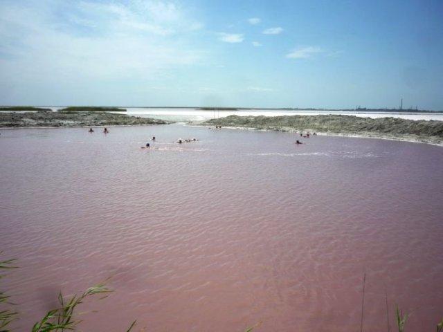 Не Лемурийское озеро, а просто яма