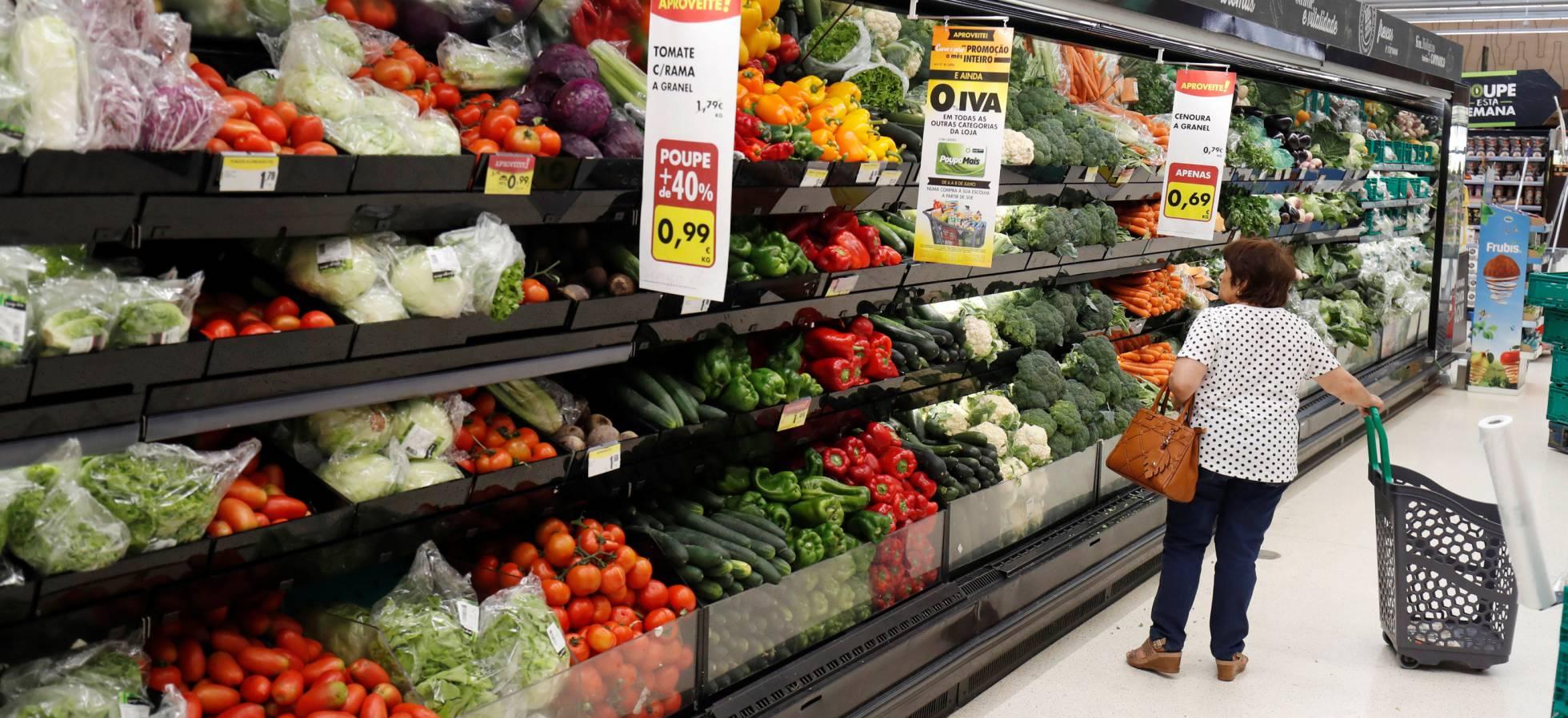 Девять сетей супермаркетов в Испании подняли цены на продукты питания