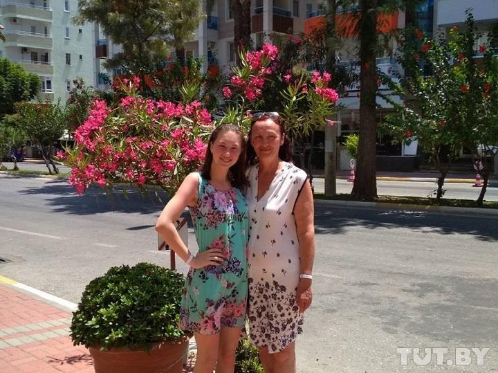 Минчанка с внучкой, которых не пускали через границу, съездили на отдых благодаря читателям TUT.BY