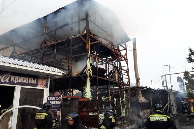 В Сочи сгорел мини-отель: погибло 8 человек