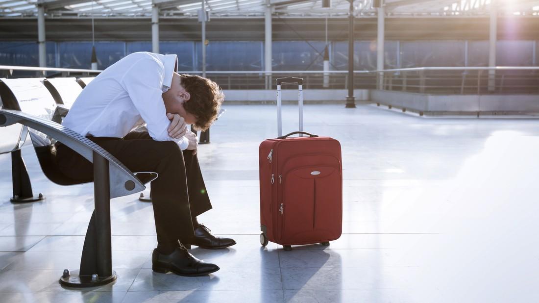 Бывшего директора турагентства за долги не выпустили за границу