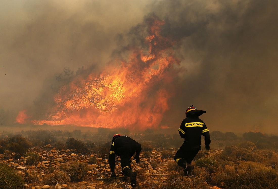 Ростуризм: около 2 тыс. российских туристов находятся в зоне пожаров в Греции