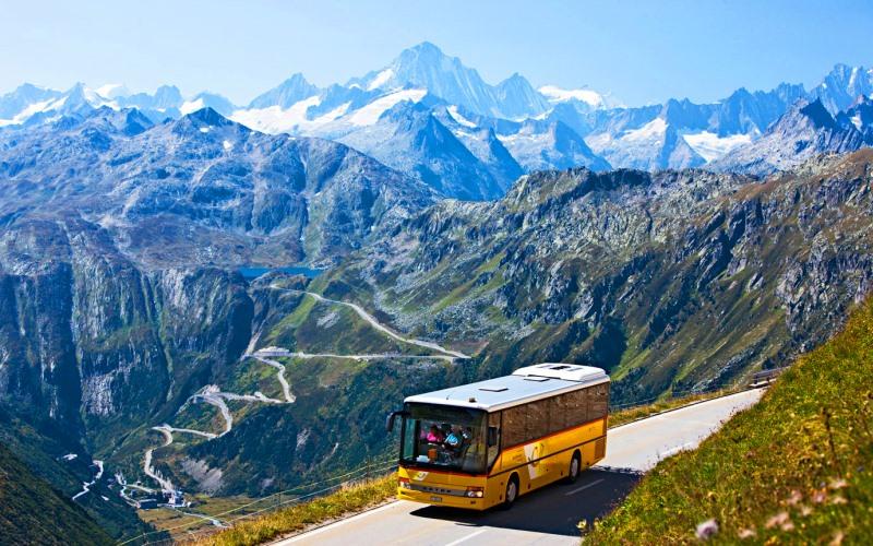 Исследование: Топ-10 самых дорогих путешествий россиян на автобусах