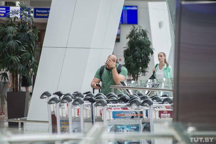 Белорусы больше суток ждали вылета из Антальи из-за