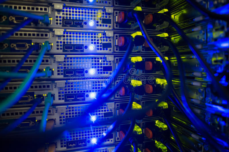 Минтранс обяжет авиаперевозчиков хранить все данные в России