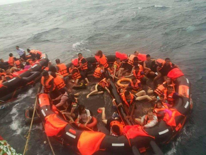 На Пхукете перевернулись два туристических катера. Без вести пропало около 50 человек, один погиб