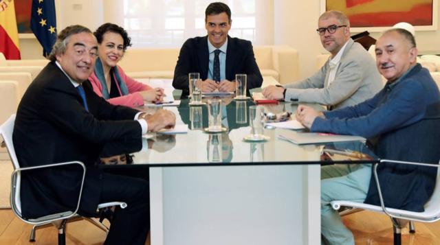 Правительство повысит минимальную заработную плату до €1000 к 2020 году