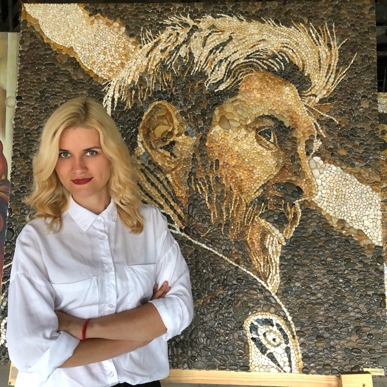 Художница из Казани создала гигантский мозаичный портрет Месси