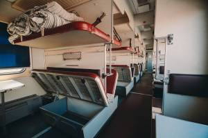 Из старых плацкартных вагонов РЖД соберут лоукост-поезда