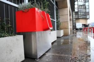 В Париже разгорелся скандал вокруг писсуаров на улицах