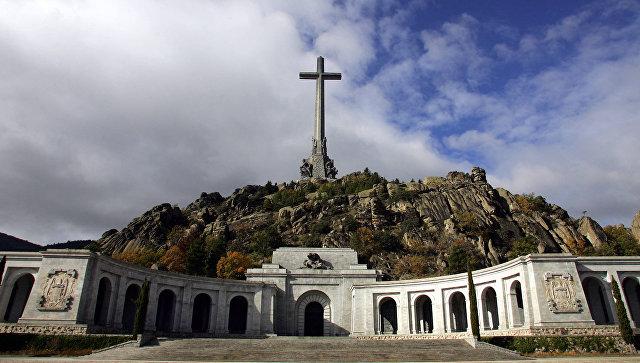 В Испании перезахоронят останки Франко