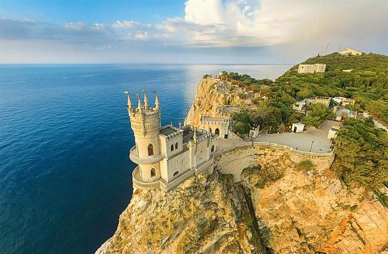 Аксенов: доходы от туризма в Крыму выросли на 30%