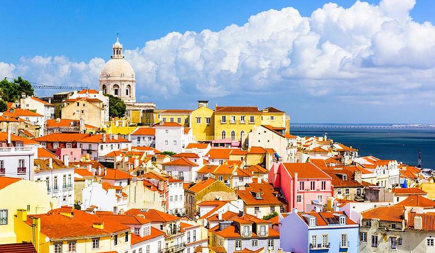 Туроператоры: спрос на отдых в Португалии вырос
