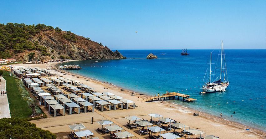 Анталия поставила рекорд: за 8 месяцев курорт обслужил 9 млн туристов