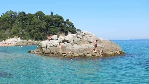 На некоторых пляжах Льорет-де-Мара запретили курить