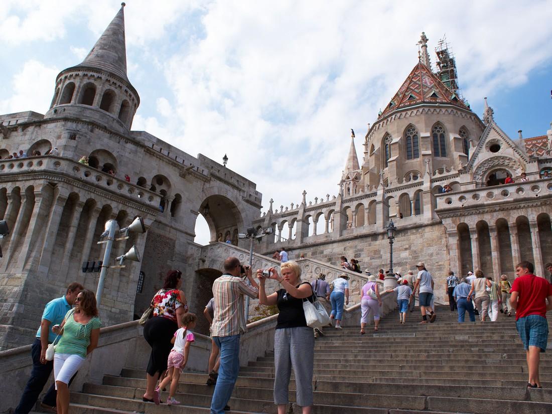 Турпоток в Будапешт просел в начале лета