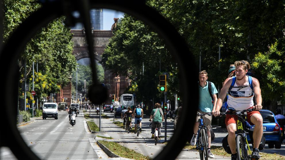 В 2019 году в Барселоне запретят велосипедное движение по тротуарам