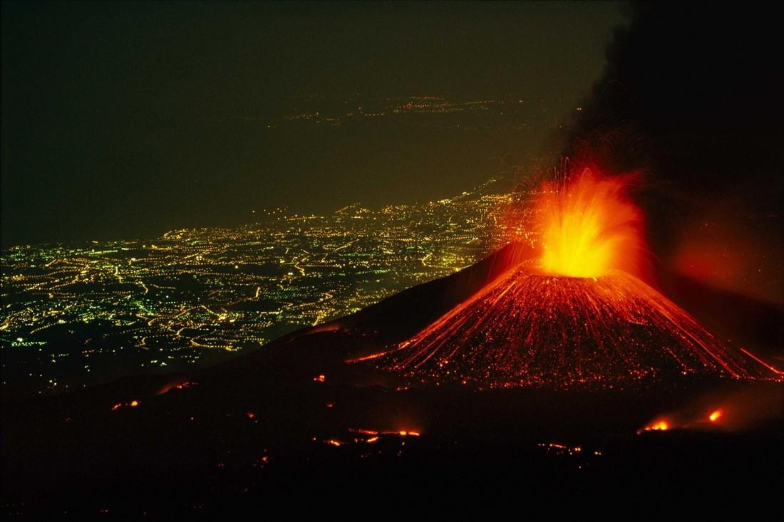 На Сицилии «проснулся» вулкан Этна и сделал кассу экскурсионным турам