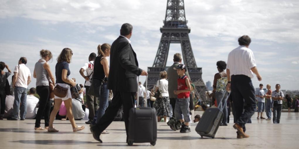 В этом году Франция примет 90 млн туристов, власти задумались об ограничении турпотока