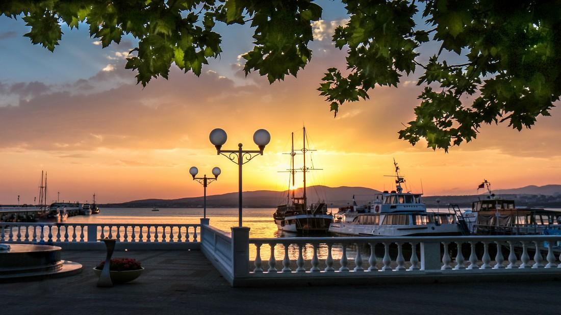 Власти Геленджика опровергли фэйк о закрытии курорта