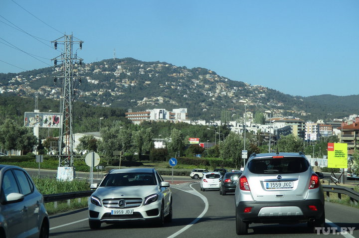 На авто по Испании: 100 евро за разговор по мобильнику за рулем и особенности обгона