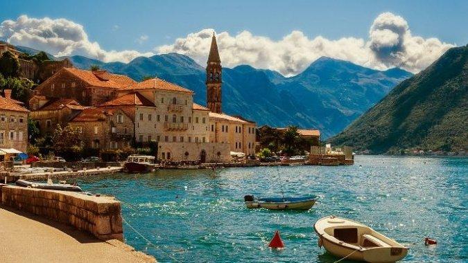 Недорогая Черногория собирается заработать на туристах миллиард