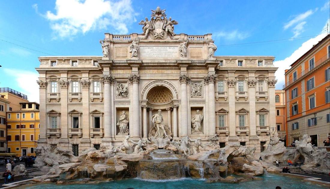 За купание в фонтане в Риме туристов оштрафовали на 900 евро